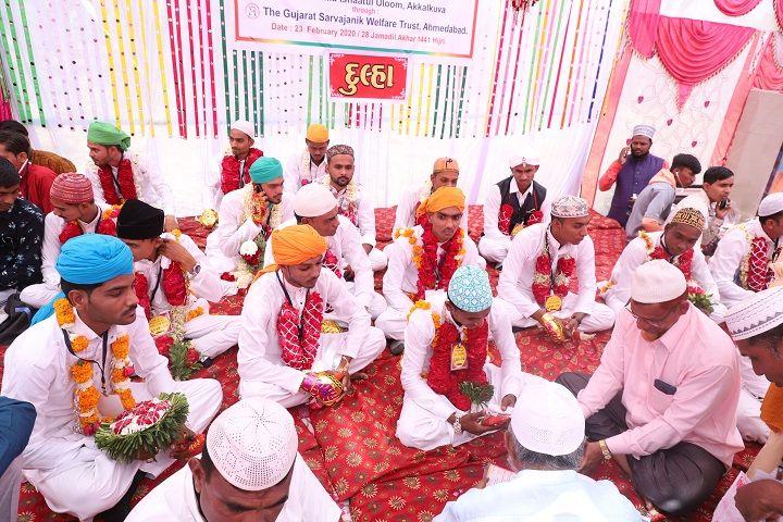 group-wedding